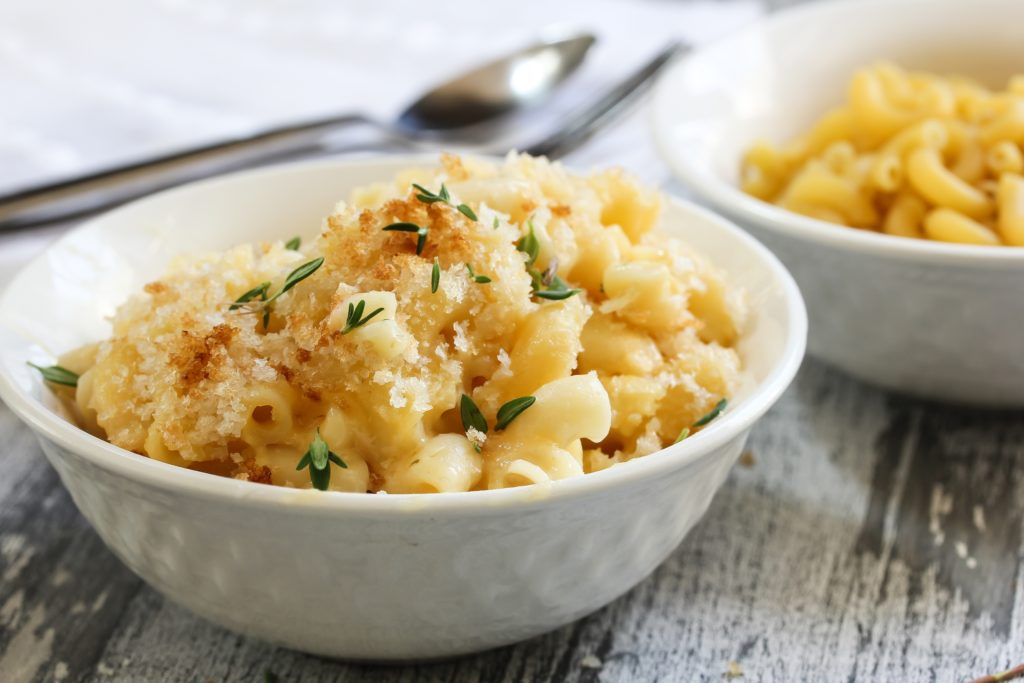 mac n cheese, macaroni and cheese, mac n cheese with bread crumbs, pasta